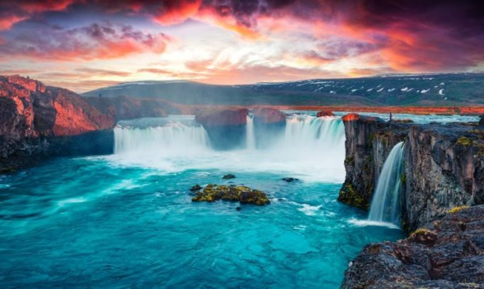 moving to iceland